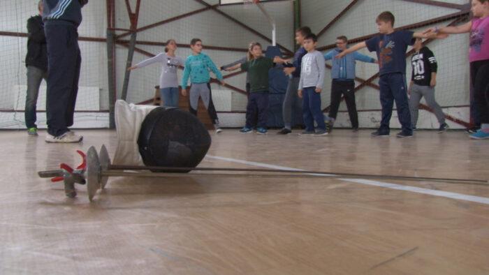 palyazati-penzbol-felszereleseket-vasaroltak